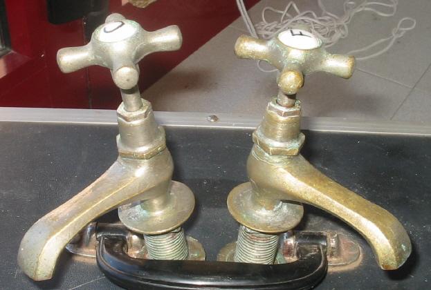 Juego De Baño Antiguo:Juego de grifos antiguos modelo G1945 – Bañeras de patas y